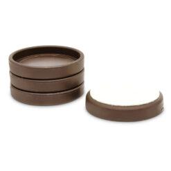 Pianounderlägg i brun plast med filtundersida - Pianomagasinet