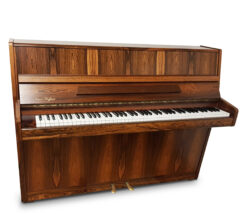 Akustiskt piano. August Hoffman modell 104 - Pianomagasinet