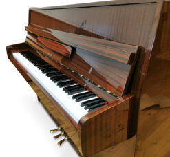 Akustiskt piano, Hellas modell 105 - Pianomagasinet